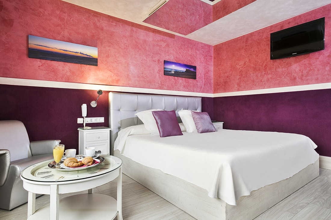 Double room La Roca hotel by the hour Granollers